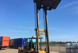 SANDERSON SB50TC ROUGH TERRAIN FORKLIFT TRUCK, C/W FORKS AND BUCKET, 4.5m REACH