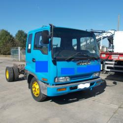 ISUZU FORWARD CHASSIS CAB, MANUAL PUMP, 5 SPEED MANUAL GEARBOX, 141,000 MILES